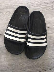 Boys Adidas Flip Flops Size 1