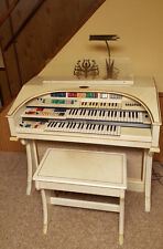 Wurlitzer Model 625 Electric Organ in White