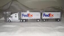 Tonkin Trucks N Stuff 8752A HO Volvo Sleeper Cab w/2-28' Trailers FedEx Express
