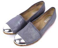 Dana Buchman Womens Size 8 Shoes Flat Gray