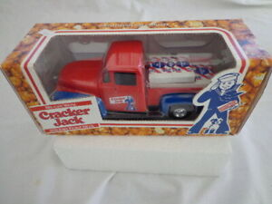 ERTL COLLECTIBLES 1956 FORD CRACKER JACK PICKUP TRUCK WITH LOAD OF CRACKER JACKS