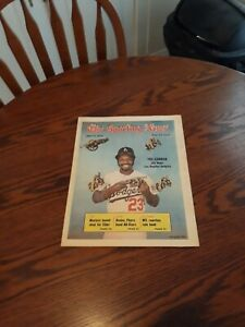 MAY 11,1974-THE SPORTING NEWS-JIM WYNN OF THE LOS ANGELES DODGERS(MINT)