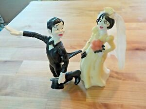 Vintage 1972 Wilton Funny bride and groom wedding cake topper