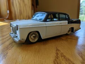 Early 60s Bandai MG Magnette Tin Friction Sedan - Made In Japan - Great Shape
