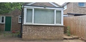 5 x UPVC DOUBLE GLAZING WINDOWS. ABSOLUTELY IN AN AMAZING ORDER.