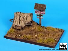 Black Dog 1/35 Road Section w/Rolled Over Trailer Diorama Base (145x90mm) D35063
