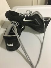 nike tennis shoes women Size 6.5 Color Black Light Tennis I only used it once