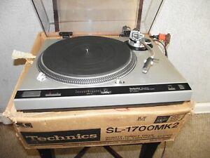 Vintage TECHNICS Direct Drive Automatic Turntable SL-1700 MK2 w/ Manuel & Box