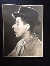 DUGGIE WAKEFIELD - BRITISH ACTOR & COMEDY ENTERTAINER - SIGNED B/W PHOTOGRAPH