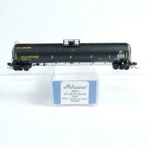 """Athearn N Scale UTLX #950306 UTC 33k Gallon LPG Tank Car """"Early"""" 23511"""