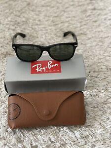 Ray-Ban Herren Damen Sonnenbrille RB2132 901L 55mm New Wayfarer schwarz RB23