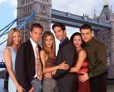 FRIENDS - TV SHOW CAST PHOTO #302