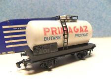 GG 9 ) wagon citerne a essieux  HORNBY en BO 702 pour train electrique HO