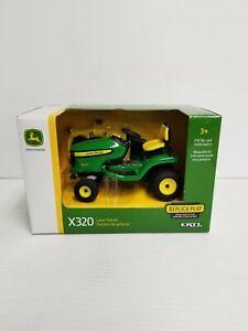 TBE45484 John Deere ERTL 1/16 X320 Lawn Mower