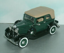 1/32 Scale 1932 Ford Convertible Sedan Diecast Model Car - New-Ray SS-T5350