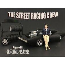 AMERICAN DIORAMA 1:18 STREET RACING CREW - III VEHICLE FIGURES AD-77433