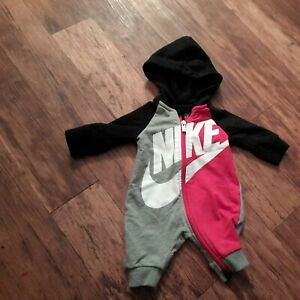 Baby NIKE sleepsuit newborn all in one / 2in1 unisex zip up sports suit
