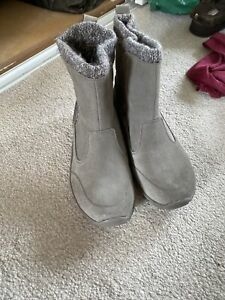 Sketchers Boots Size 3  **brand New**