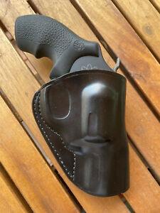 GALCO Stinger Belt Holster, Fits S&W J Frame, Right Hand, Black Leather (SG158B)