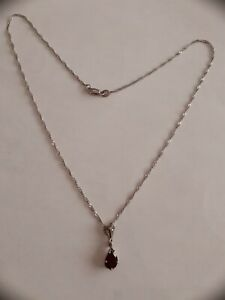 STERLING SILVER NECKLACE WITH VINTAGE PENDANT