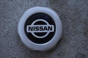 1998/04 Nissan Frontier Pickup 2x4 TRUCK SILVER Center Cap 40315-8B400 OEM part