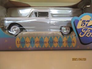 1:25 Spec Cast 1957 Ford Ranchero light blue & white bank