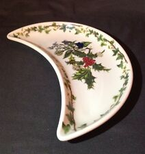 """CHRISTMAS PORTMEIRION HOLLY AND THE IVY 8 5/8"""" CRESCENT SALAD PLATE"""
