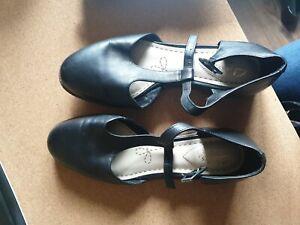Clarkes Shoes  SZ 5