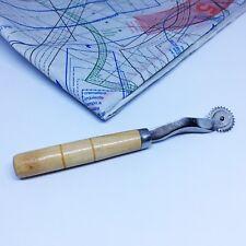 Roulette à patron dentelée, roulette de traçage