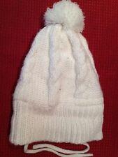 H&M - cappellino bianco con pallina e lacci - taglia 12/18 mesi - USATO