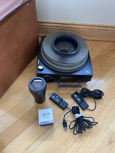 Kodak 750H Carousel Slide Projector w/Zoom Lens & Remotes (2) Extra bulb