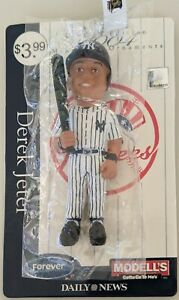 2004 Derek Jeter Forever Collectibles x Modell's Limited Edition Ornament - NEW!