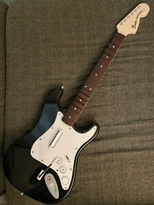 Xbox One Harmonix Rock Band 4 Black Fender Stratocaster Wireless Guitar 91161