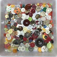 Vintage Button Lot 11oz Of Mostly Plastic Buttons Multicolored