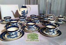 Asiatisches Porzellan mit Frauen-Motiv aus