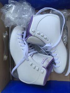 Nearly New Riedell womans size 9 skates white purple sparkle spirial