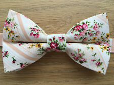 Peach Rosa a Fiori Papillon | Funky fatto a mano Vintage Floreale Papillon | pre-legato