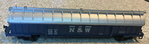 HO SCALE AHM NORFOLK AND WESTERN COVERED GONDOLA W/COILS