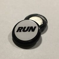 Race number magnets - RUN black
