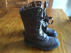 Dr Martens Triumph Brown Leather Floral Lined Fold Over Lace Up Boots Sz 9 EU 41