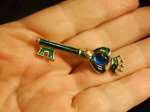 CROWN TRIFARI Vintage KEY PIN  Enamel Cabochon Figural