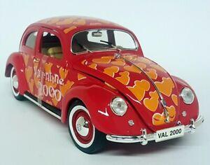 Maisto 1/18 Scale - Volkswagen Beetle Export 1951 Valentine Diecast Model Car