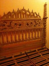 Klassisches Bett aus Pinienholz (Handgefertigt) zu verkaufen