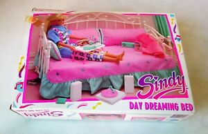 Vintage - Sindy Day Dreaming Bed 1989 - Hasbro 8742 - NEW!!! (Opened Box)