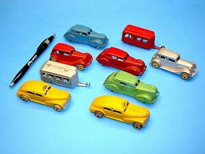 GROUPING OF NICE VINTAGE 3'' TOOTSIETOY CARS AND TWO BARCLAY TAXI CABS