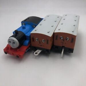 "#204 TOMY Trackmaster Thomas & Friends ""THOMAS ANNIE CLARABEL"" 2002 Motorized"