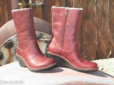 New Womens UGG Hartley Mid Auburn Leather Sheepskin Boots Sz US 7 UK 5.5 EU 38