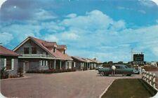Arizona Autos Country Manor Hotel roadside 1950s Postcard Dexter 20-12768