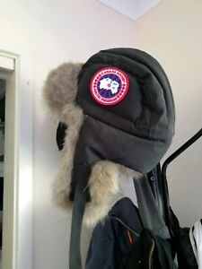 Canada goose Trapper hat authentic (size small)