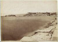 1870 FOTOGRAFIA NAPOLI VEDUTA DAL MOLO NUOVO CASTEL DELL'OVO MASCHIO ANGIOINO